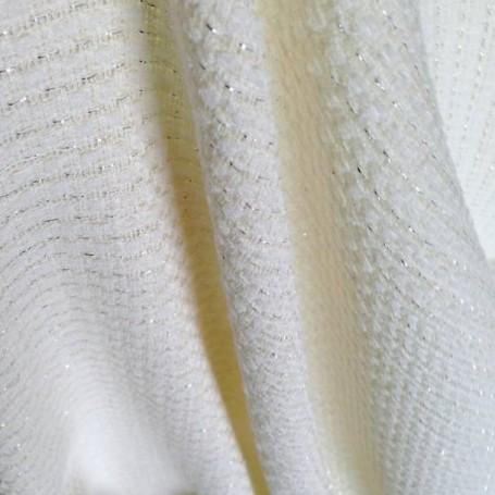 Tissu en coton écru brillant aéré