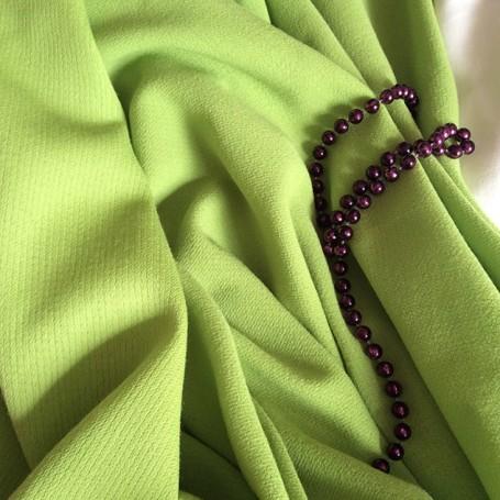 tissu crepe vert en laine